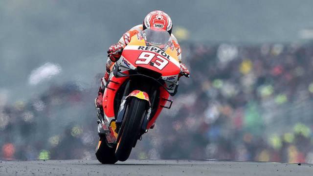 FOTO: Cómodo triunfo de Marc Márquez en Le Mans