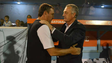AUDIO: El DT de Belgrano apuntó contra el árbitro