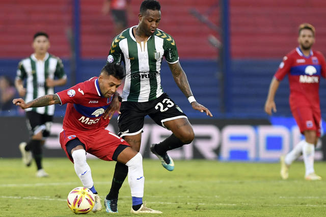 FOTO: Tigre y Banfield empataron 4-4 en un show de goles