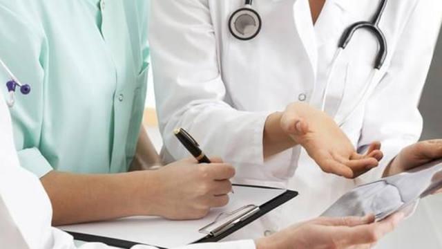 FOTO: Extienden la inscripción para la radicación de médicos