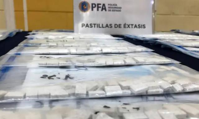 FOTO: Desmantelan cargamento de drogas valuado en $ 74 millones