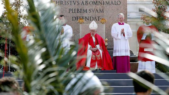 FOTO: Una multitud en la misa del Domingo de Ramos en el Vaticano