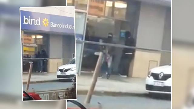 FOTO: Tres detenidos tras el asalto a un banco en Santos Lugares
