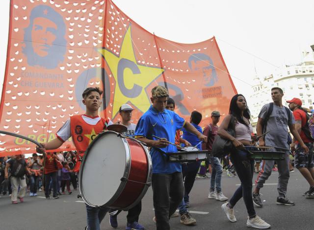 FOTO: Movimientos sociales marcharon por el centro porteño