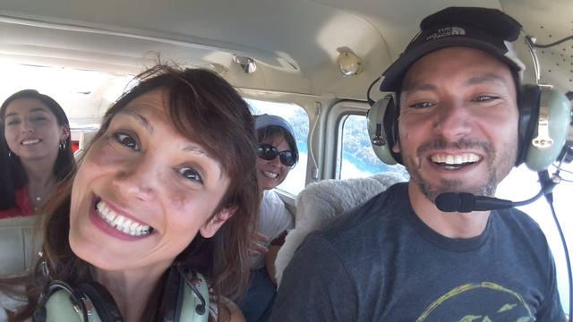 FOTO: Marcela Psonkevich realizó un paseo aéreo por Bariloche.