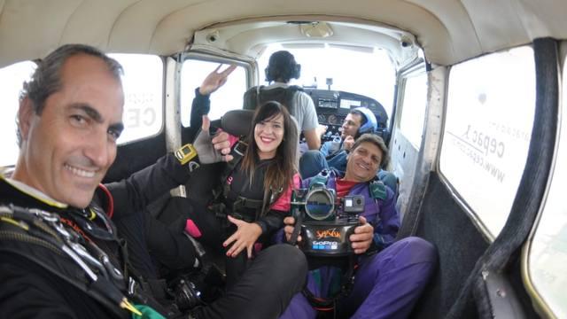 FOTO: Euge Iérmoli se arrojó en paracaídas en Córdoba