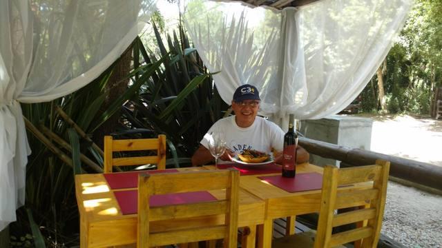 FOTO: Orlando Morales visitó Mar Azul Suites