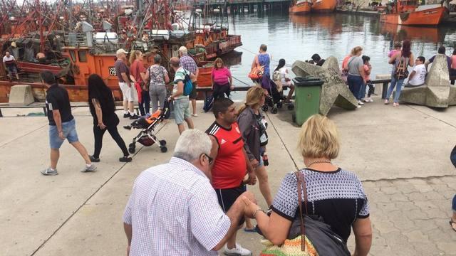FOTO: La banquina de los pescadores, típico paseo marplatense