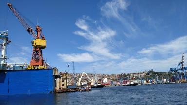 AUDIO: Un paseo en lancha por la costa de Valparaíso