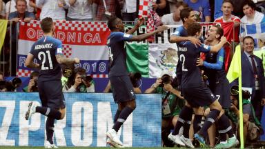 AUDIO: 1º Gol de Francia (Mandzukic e/c)