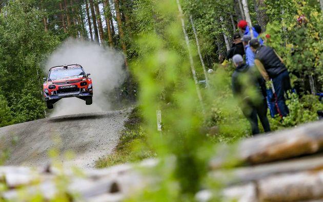 FOTO: Ott Tänak presionó de entrada y aseguró la punta