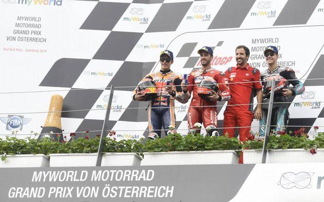 FOTO: Dovizioso y la Ducati ya están adelante Márquez y su Honda, para ganar