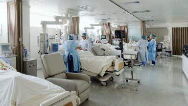 AUDIO: Buscan humanizar las unidades de cuidados intensivos