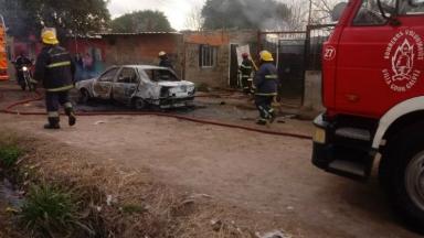 AUDIO: Pelea entre vecinos terminó con un muerto y una casa quemada
