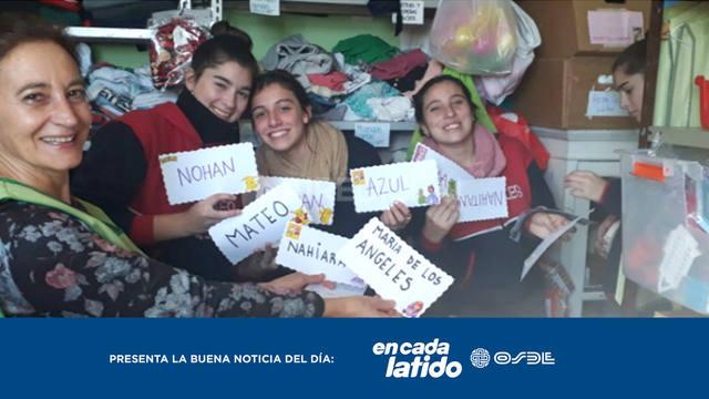 FOTO: Alumnos entregaron donaciones a mamás sustitutas en Santa Fe