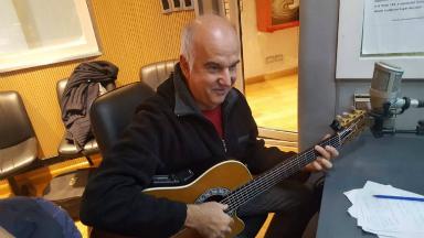 AUDIO: Esteban Morgado hipnotizó con su guitarra a Cadena 3