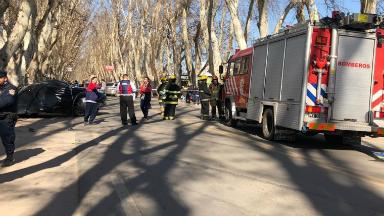 AUDIO: Un auto embistió una parada de colectivos: dos muertos