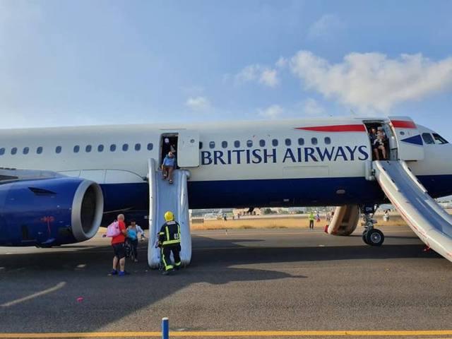 FOTO: Susto por aterrizaje de emergencia en Aeropuerto de Valencia