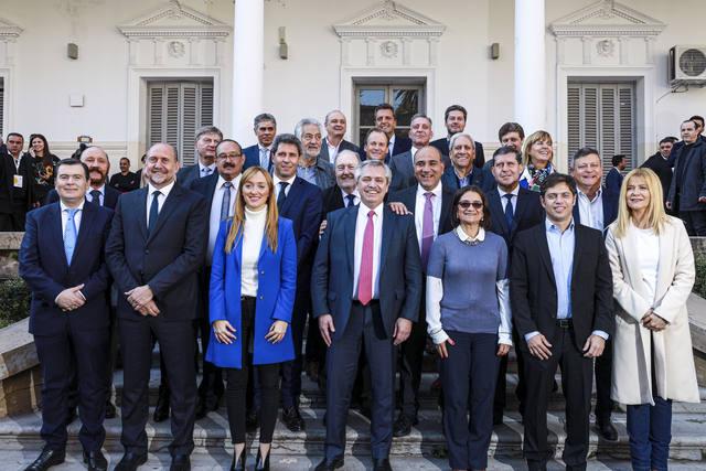 FOTO: El candidato presidencial, con los mandatarios provinciales.