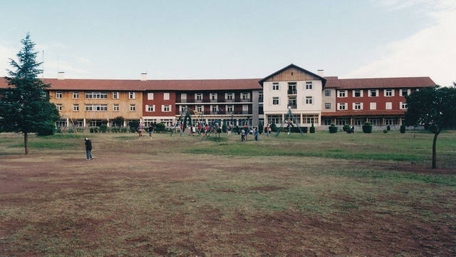 FOTO: Llaman a concurso para concesionar los hoteles de Embalse