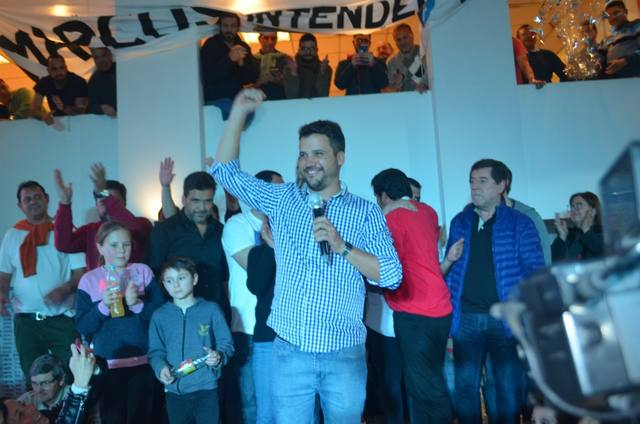 FOTO: Torres festeja. (Foto Redaccion Alta Gracia)