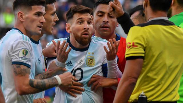 FOTO: Messi fue suspendido por tres meses por la Conmebol