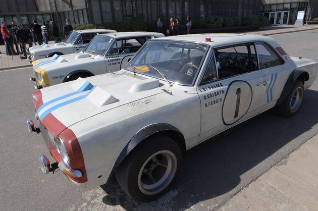 FOTO: El gobernador se probó la butaca del Torino 380 W