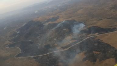 AUDIO: Controlan el incendio en Villa Icho Cruz