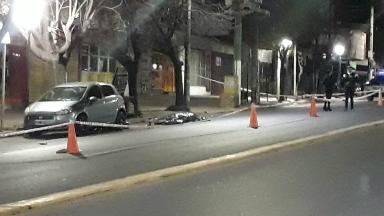 AUDIO: Un joven murió al chocar con su moto en La Falda
