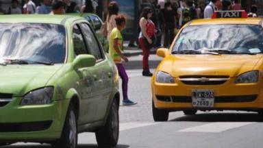 AUDIO: Los taxistas también se quejan de la máxima de velocidad