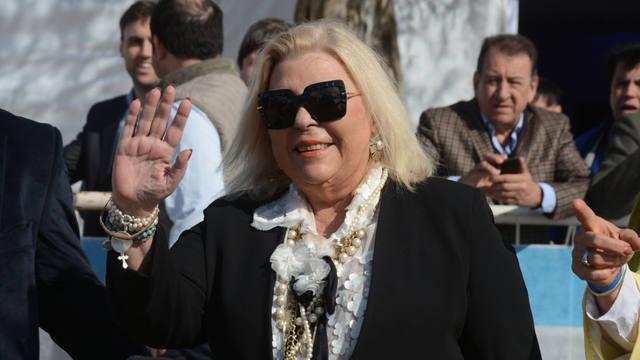 FOTO: Carrió acusó a gobernadores del PJ de