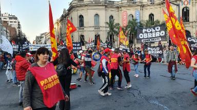 AUDIO: Marcha de movimientos sociales en el centro de Córdoba