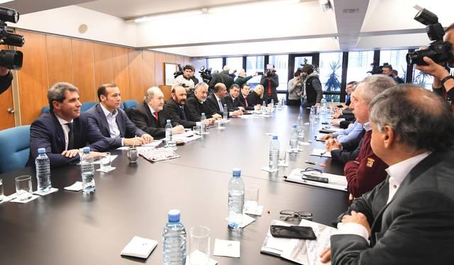 FOTO: Gobernadores del PJ rechazaron las medidas del Gobierno
