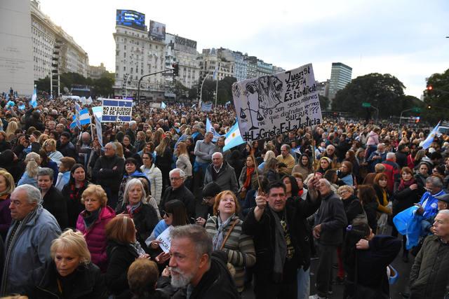 FOTO: Masiva marcha en apoyo al presidente Mauricio Macri