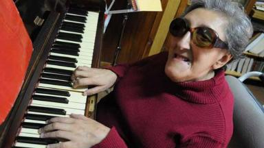 AUDIO: La pianista Elvira Ceballos quedó internada por una neumonía