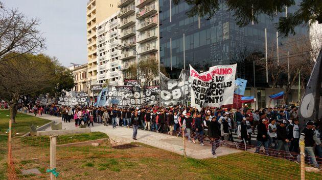 FOTO: Movilizaciones en Buenos Aires y caos en el tránsito
