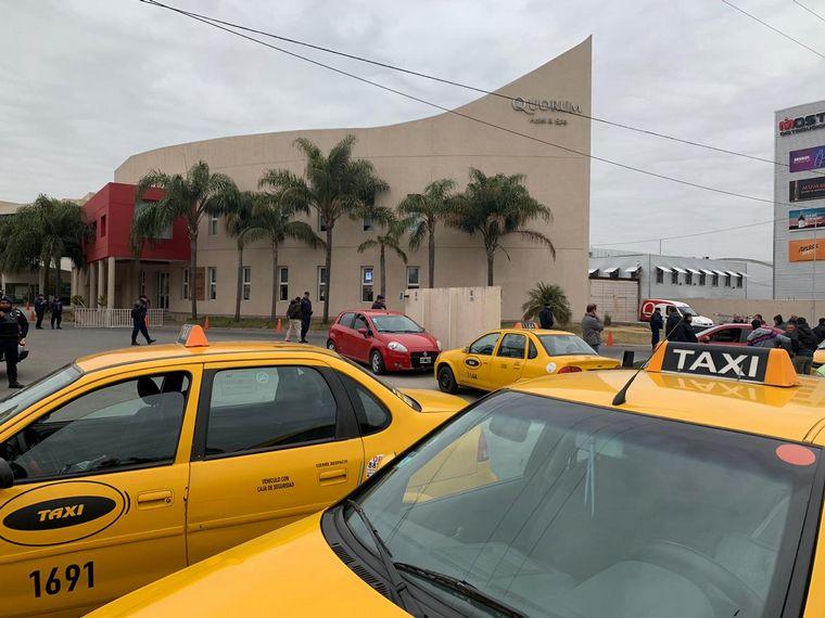 FOTO: Taxistas contra Uber