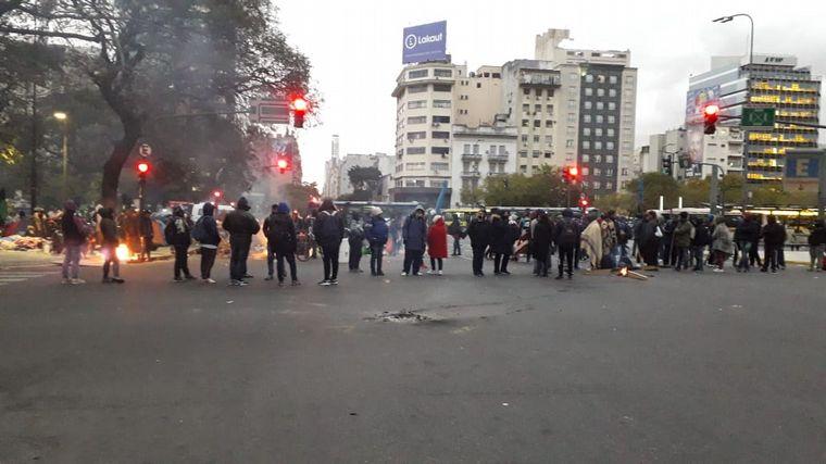 FOTO: Acampe en Buenos Aires en la Avenida 9 de julio