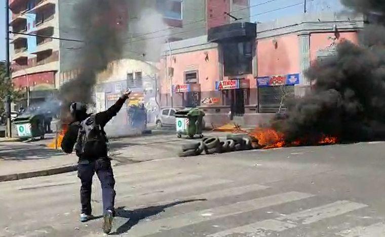 FOTO: El camarógrafo de Cadena 3, Daniel Cáceres, fue alcanzado por un perdigón de goma.