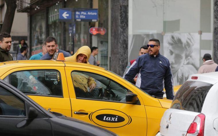 FOTO: Caos en Córdoba por los piquetes de taxistas.