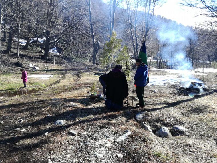 AUDIO: Comunidad mapuche ocupa un predio en el cerro Ventana