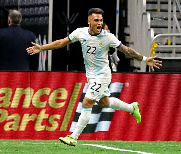 FOTO: Lautaro Martínez, el hombre del gol en Argentina.