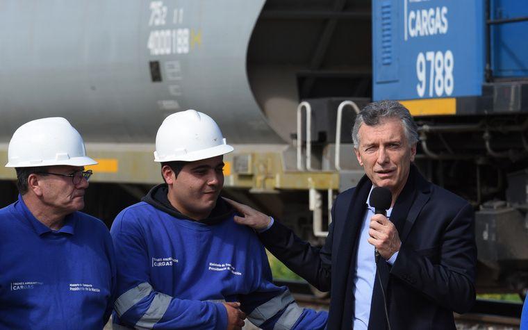 FOTO: Macri inauguró la renovación de 800 kilómetros de vías del Belgrano Cargas.