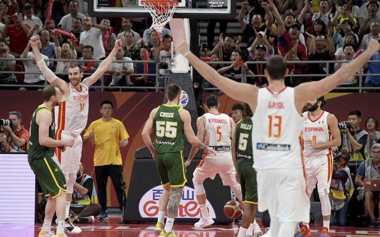 FOTO: España es finalista tras derrotar por siete puntos a Australia.