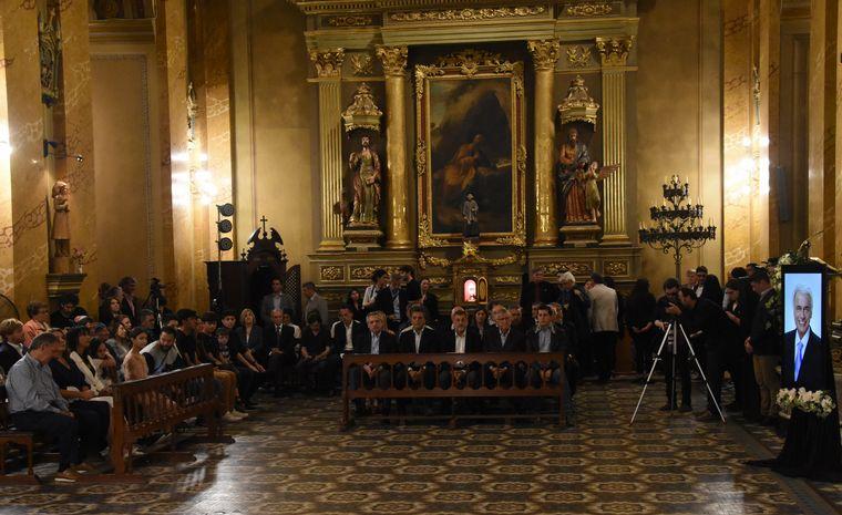 FOTO: Las lecturas de las hijas de José Manuel De la Sota en la Catedral.