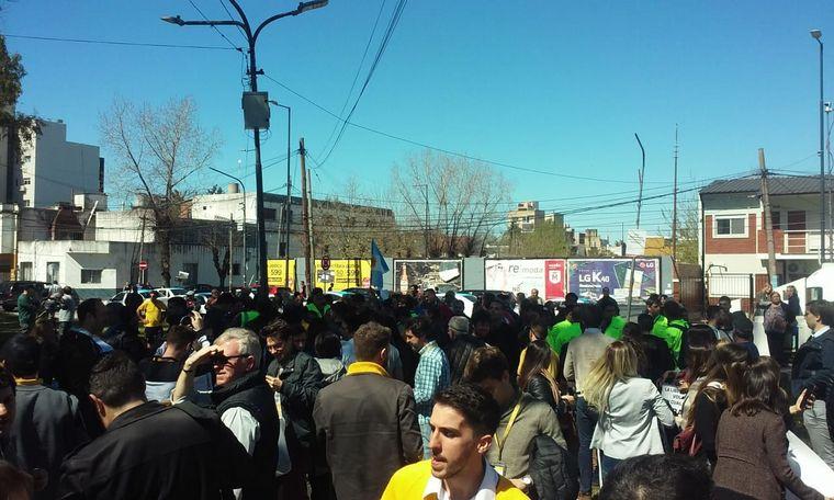 AUDIO: Trabajadores de Flybondi protestan por restricción horaria (por Orlando Morales)