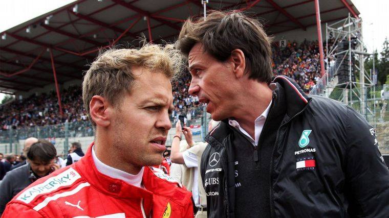 FOTO: Charles Leclerc y Sebastian Vettel y un podio frío en Singapur