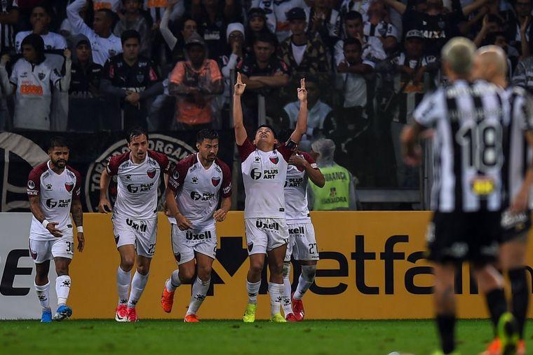 FOTO: Colón hizo historia en Brasil (Foto: @SC_ESPN)