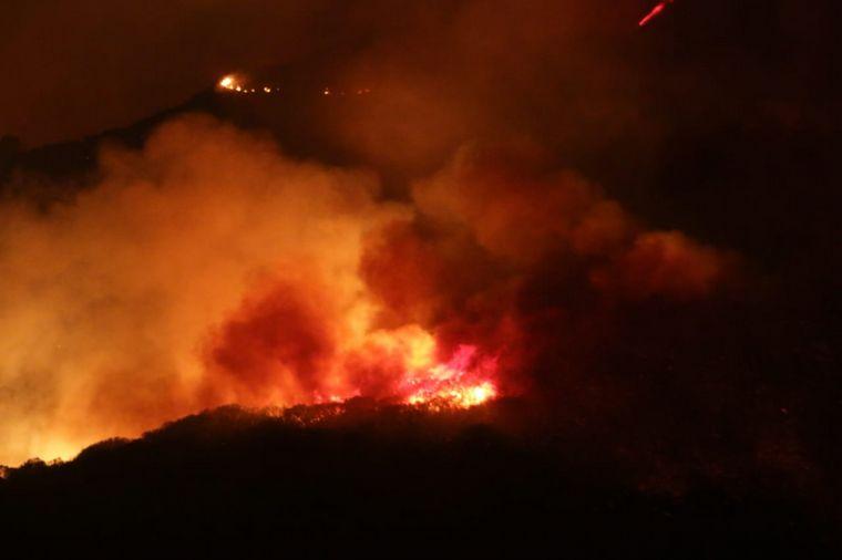 VIDEO: incendio en la cumbre
