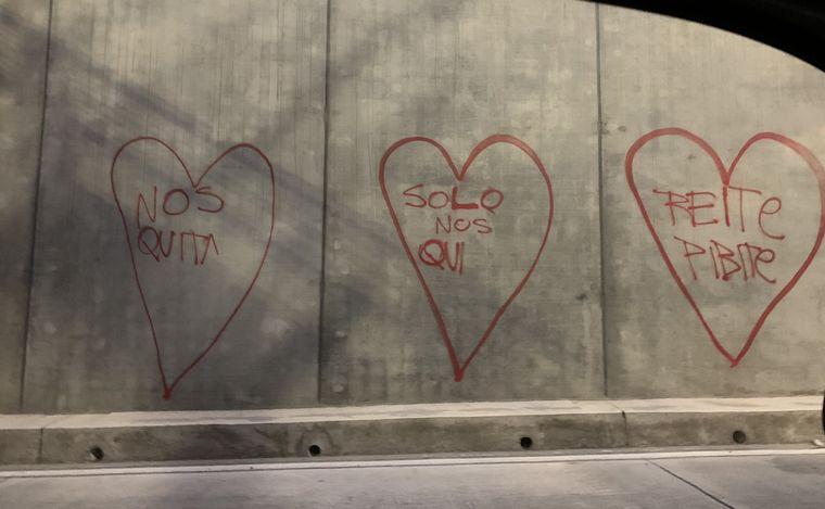 AUDIO: Los grafities están a la salida del túnel (Por Juan Pablo Viola)